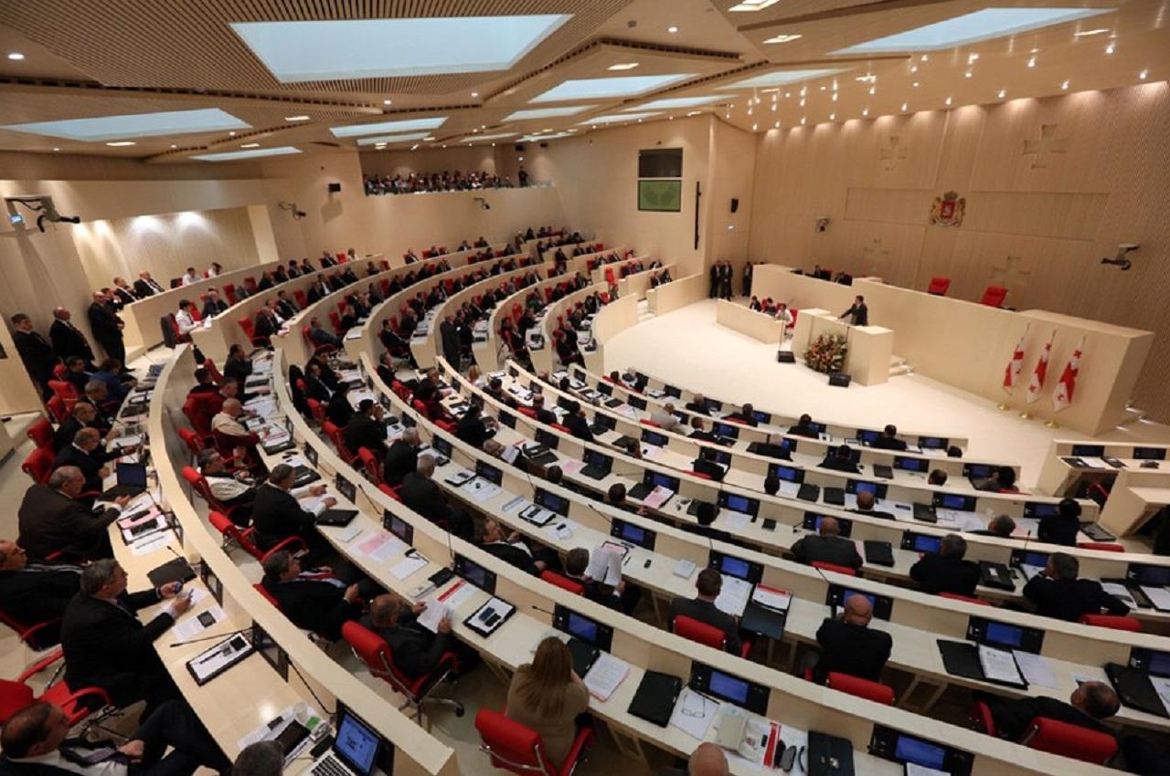 parlamenti-1